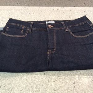 St John's Bay long women's shorts size 14